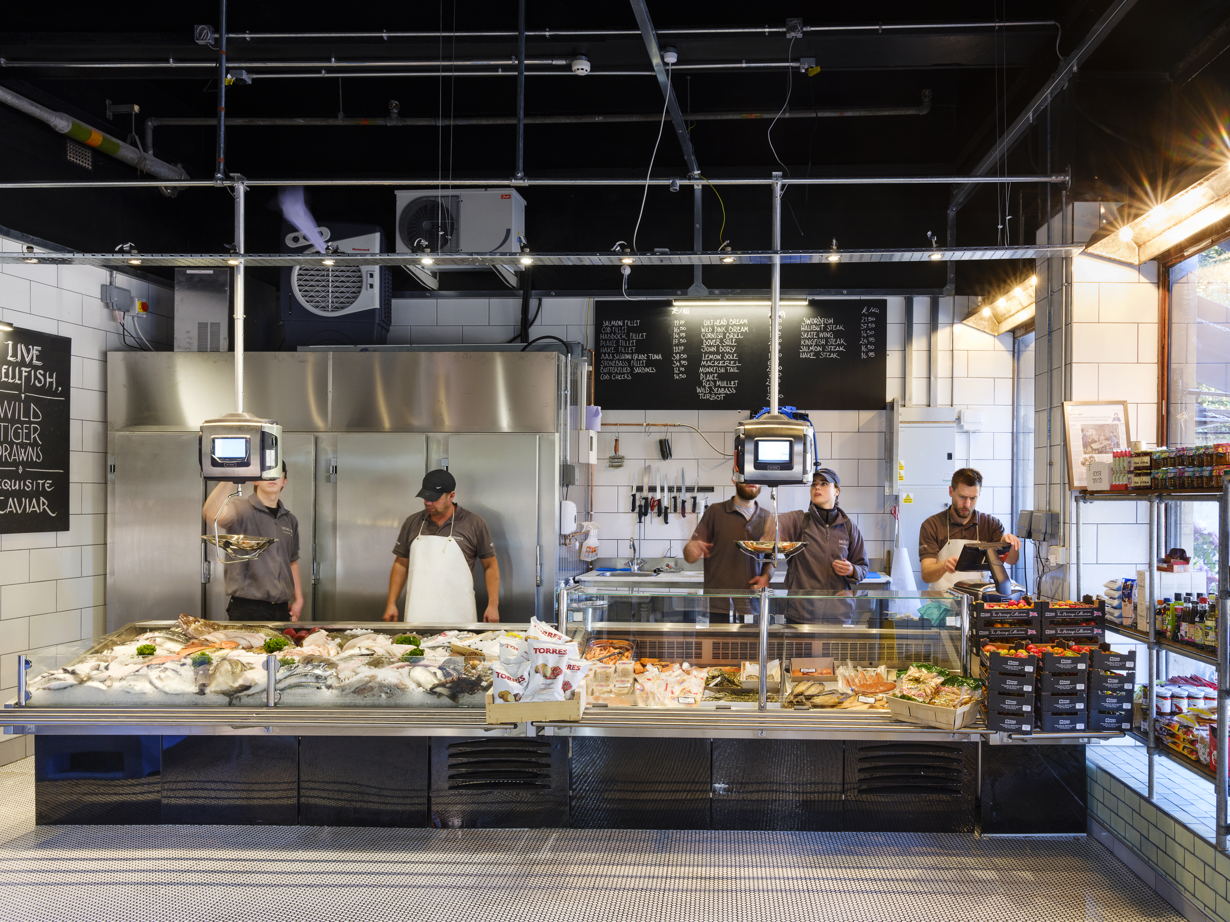 Moxon's – Sustainably Sourced Seafood Straight To Your Table – The Art of  Food and Drink